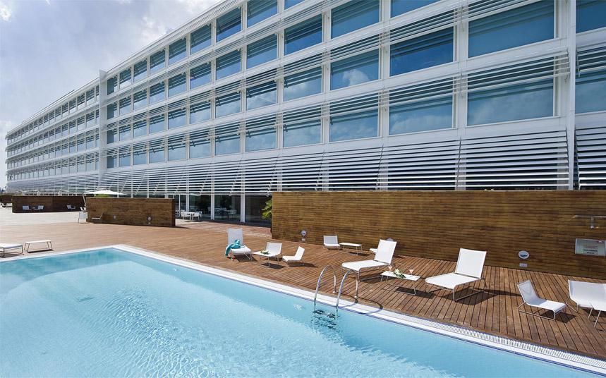 Hotel hiberus s vanguardia y confort palafox hoteles for Piscina palafox zaragoza