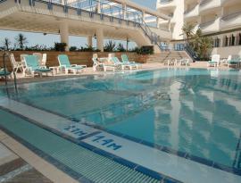 piscina playa victoria