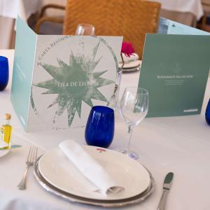 Detalle mesa restaurante Isla de León