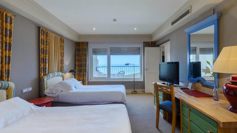 Hotel Playa Victoria Zimmer