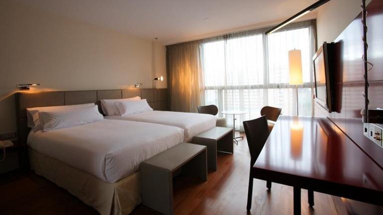 Hotel Reina Petronila Zimmer