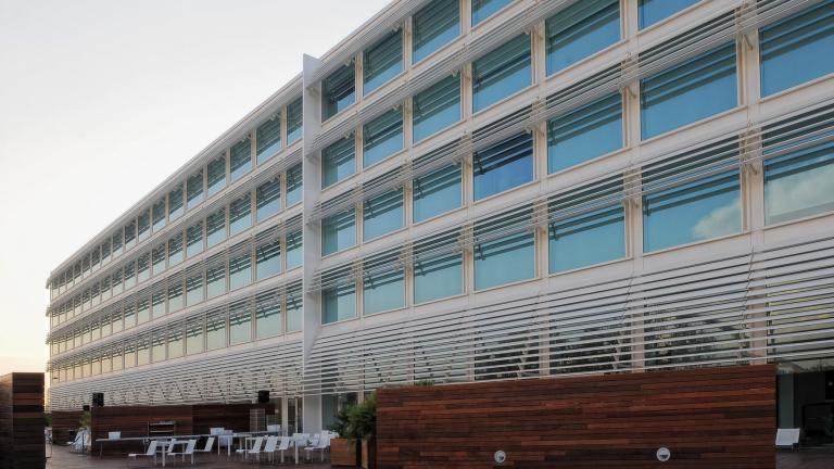 Hotel Hiberus Zaragoza: Fachada vista 2