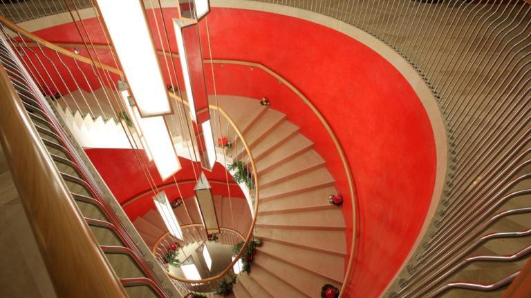 Hotel Reina Petronila Zaragoza: Escalera