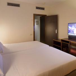 Hotel Goya Zaragoza centro: Habitación