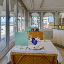 Mesa restaurante Isla de León
