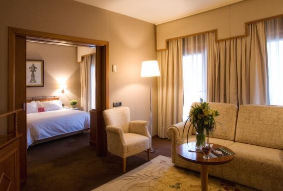 Hotel Palafox Zaragoza Suiten